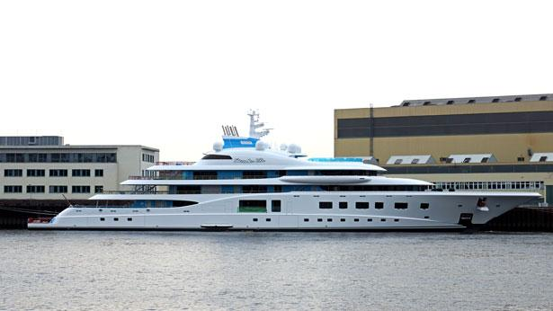 Top 200 largest yachts in the world Superyacht Quantum Blue